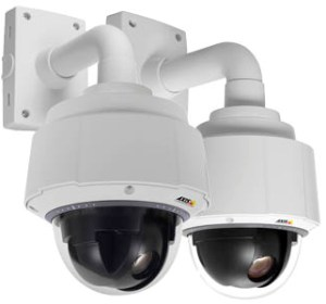 Комплект видеонаблюдения и регистратор с монитором